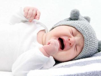 1615461573-بازگشت-اسید-معده-در-نوزادان.jpg