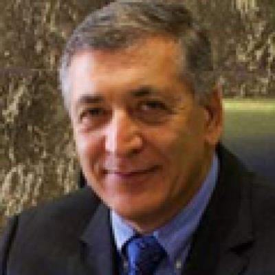 دکتر فرهاد حافظی